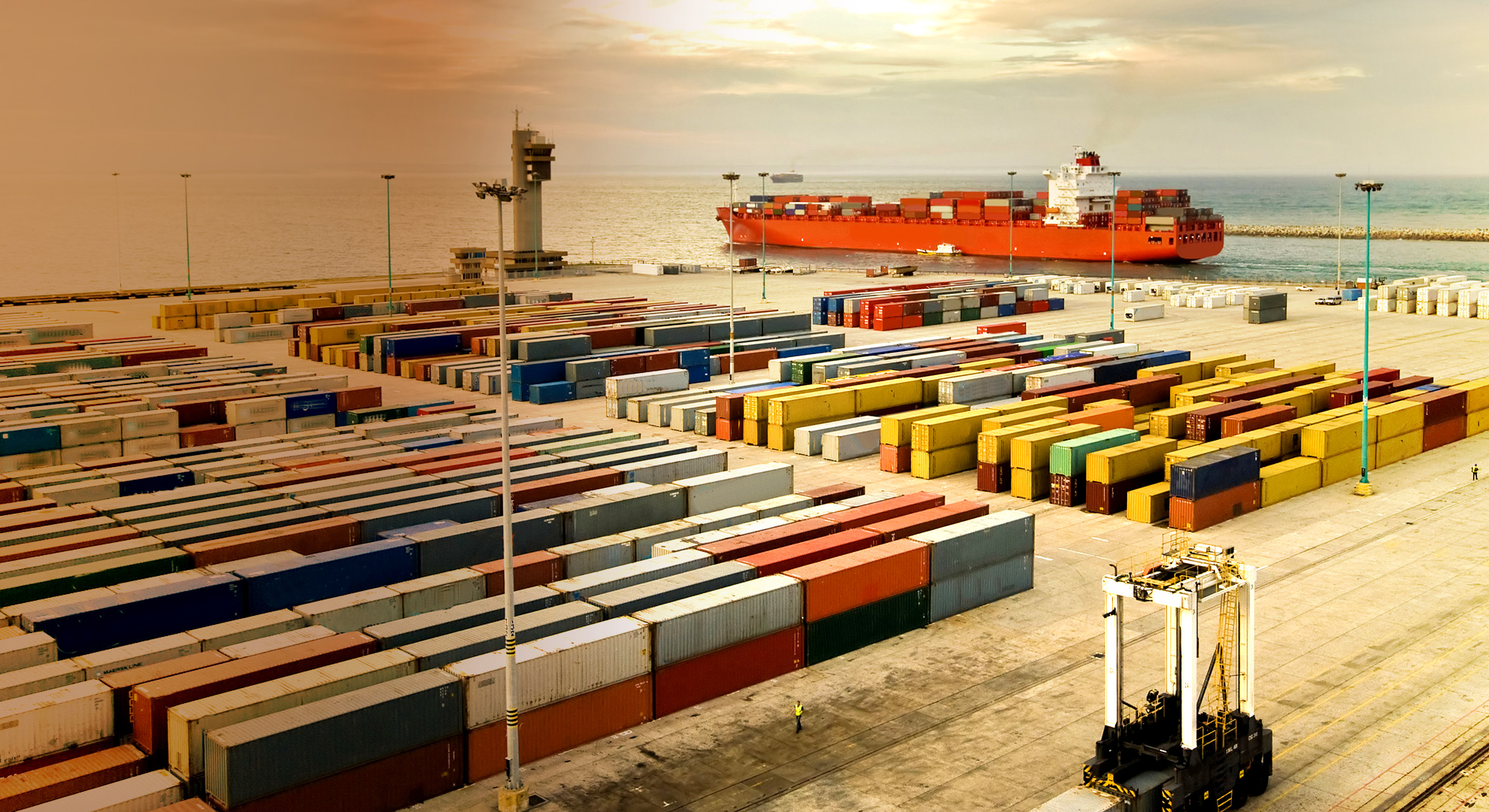 thesis support outsourcing Logistics outsourcing: lessons from case studies logistics outsourcing: lessons from case studies 207 and support, the right people on the outsourcing team.